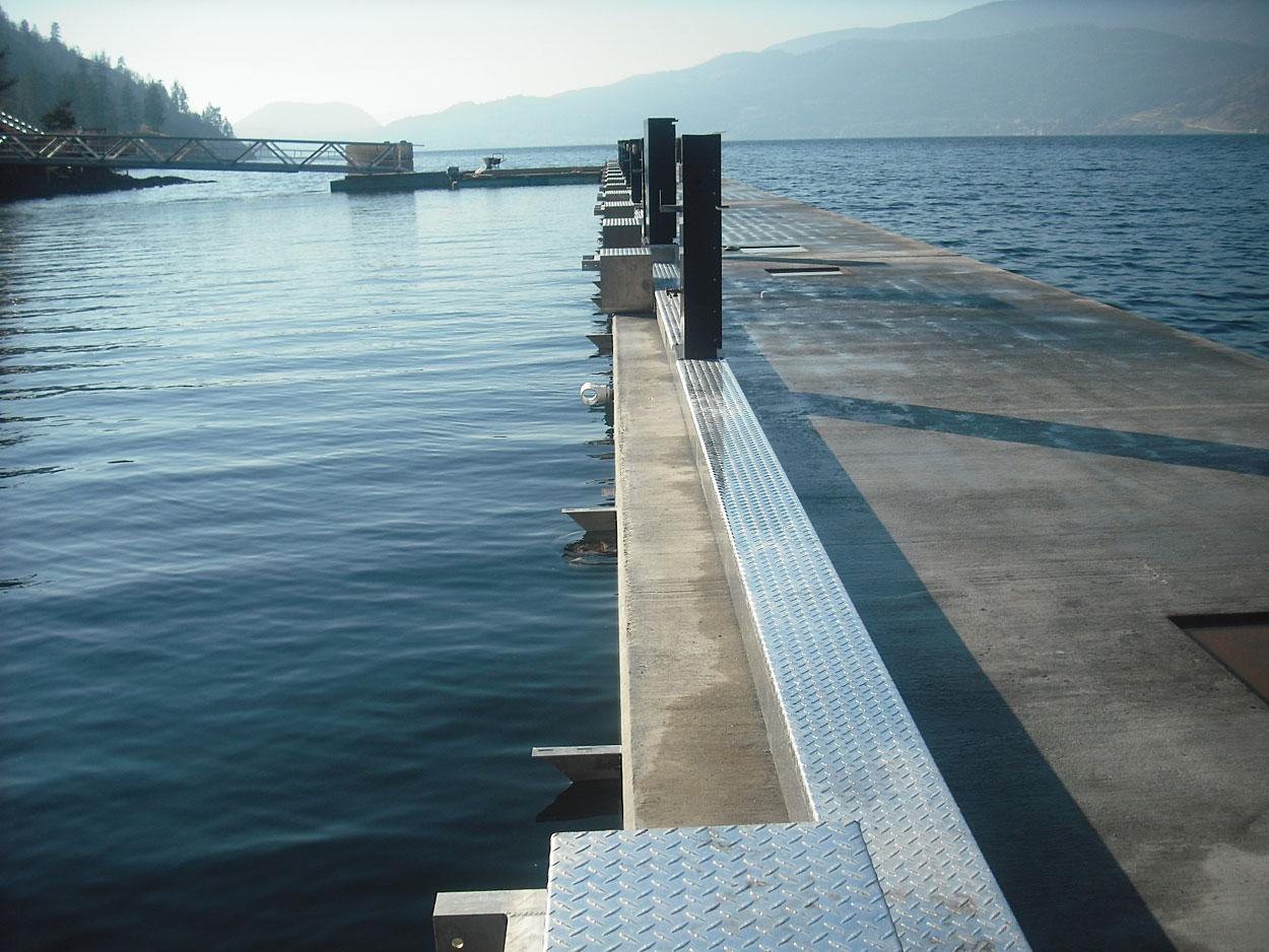 fabrication of precast concrete floats for marina