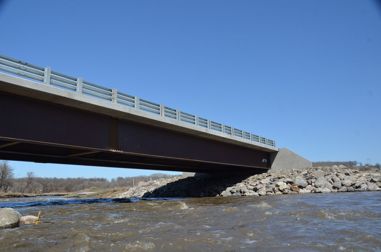 Steel fabrication and precast concrete manufacturing for bridge construction - Rapid-Span