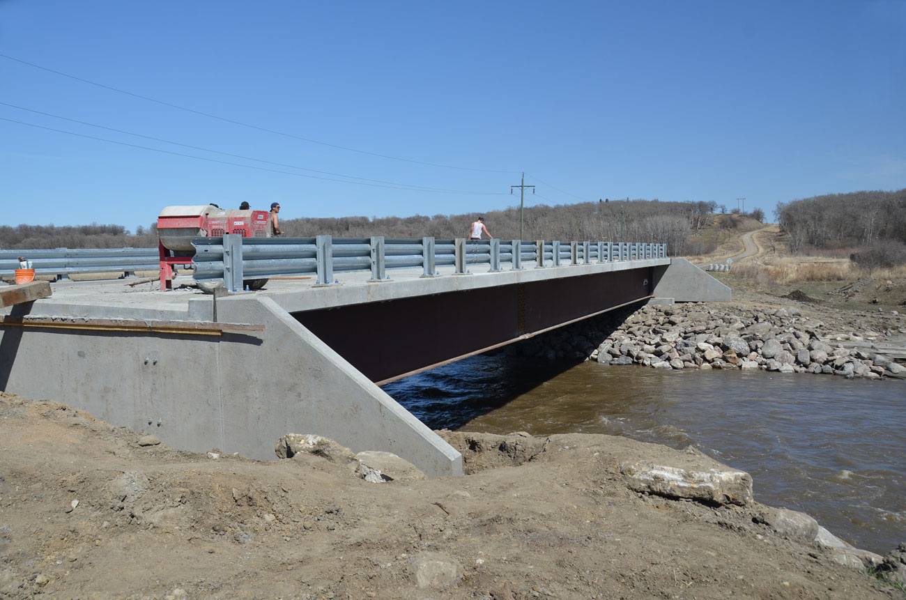 Precast Concrete and Steel Manufacturing for Bridge Design - Rapid-Span