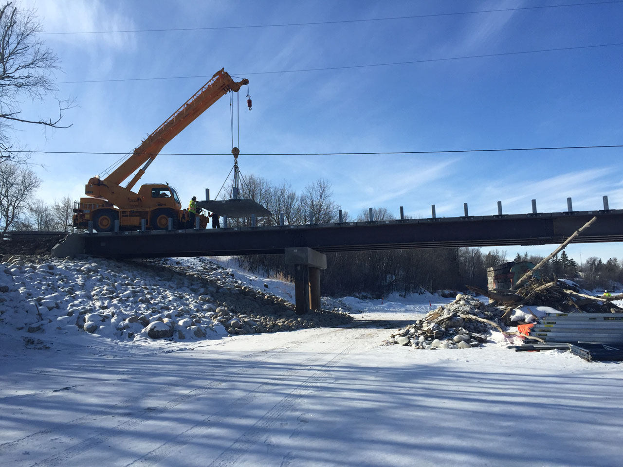 bridge construction utilizing weathering steel girders - Rapid-Span